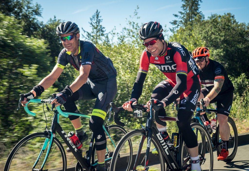 TONWIN Short de Cyclisme avec Rembourrage 4D Respirant et l/éger pour Hommes et Femmes,S-XXXL