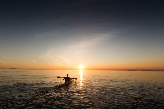 guide d'achat casque de kayak