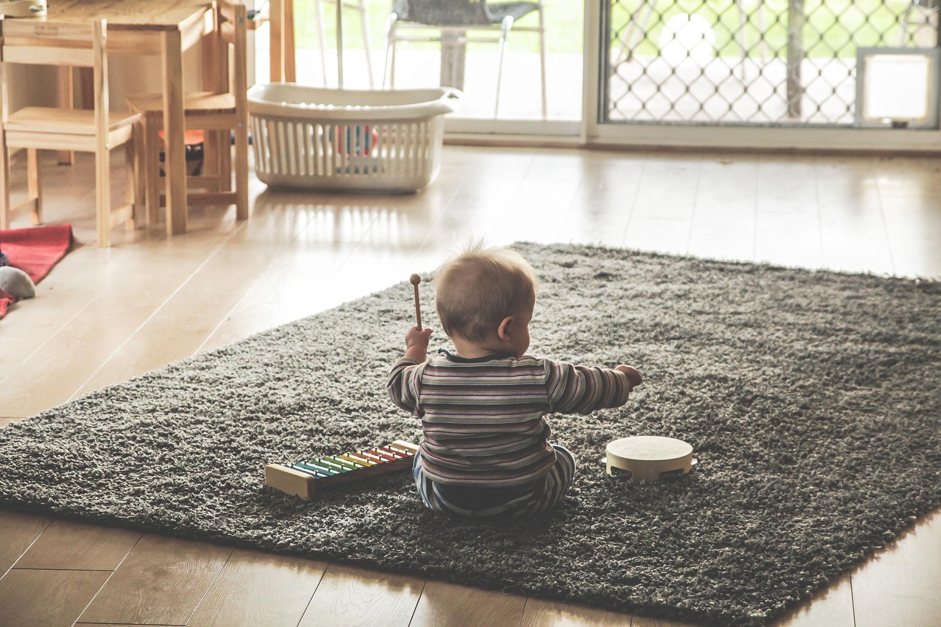 jouet d'éveil pour son enfant 1
